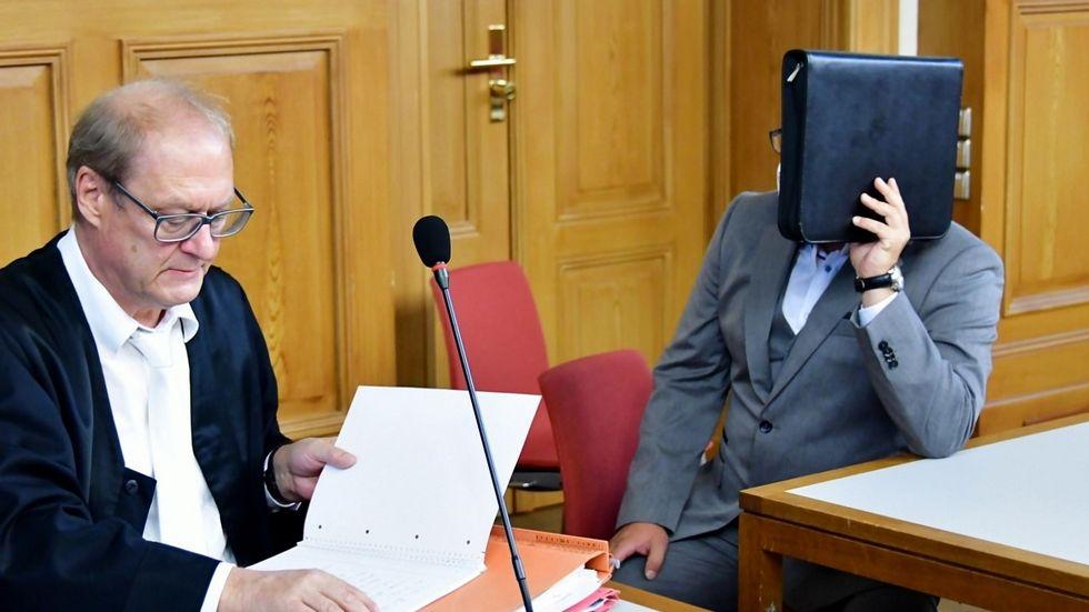Freispruch für den Angeklagten. Links sein Anwalt Thomas Kotré. Foto: Tele-Lausitz (Danilo Dittrich)
