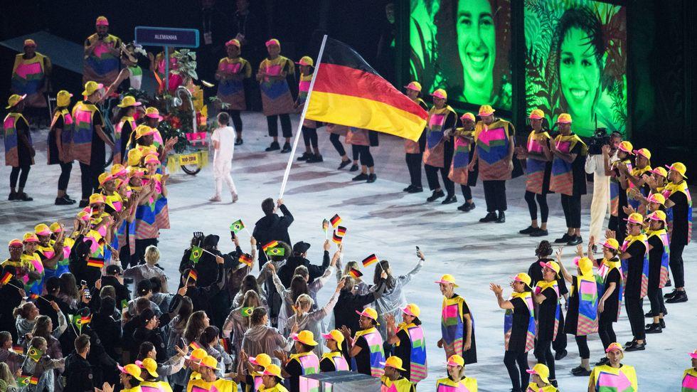 Laura Ludwig und Patrick Hausding folgen als Fahnenträger-Duo bei der olympischen Eröffnungsfeier auf Timo Boll. (Archivbild 2016)
