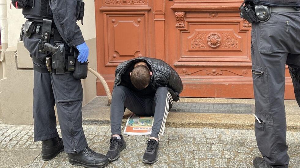 Der festgenommene Schleuser