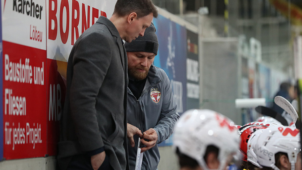 Chris Straube und André Mücke werden auch in der kommenden Saison bei den Lausitzer Füchsen als Duo hinter der Bande agieren.