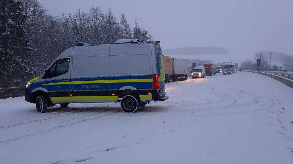 Seit 6 Uhr ging nichts mehr: Der Verkehr auf der A4 kam in Richtung Dresden zum Erliegen